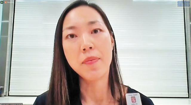 任高子娜表示流動檢測是東華醫院的首要任務。記者李兆庭截圖