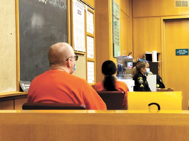 洛馬士(左)和史提芬妮出庭。記者彭詩喬攝