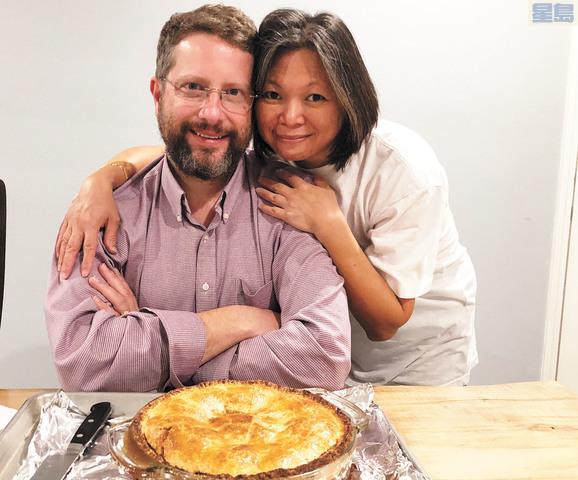 陳立傑與妻子的合照,兩人相識於大學修讀日語課。受訪者提供