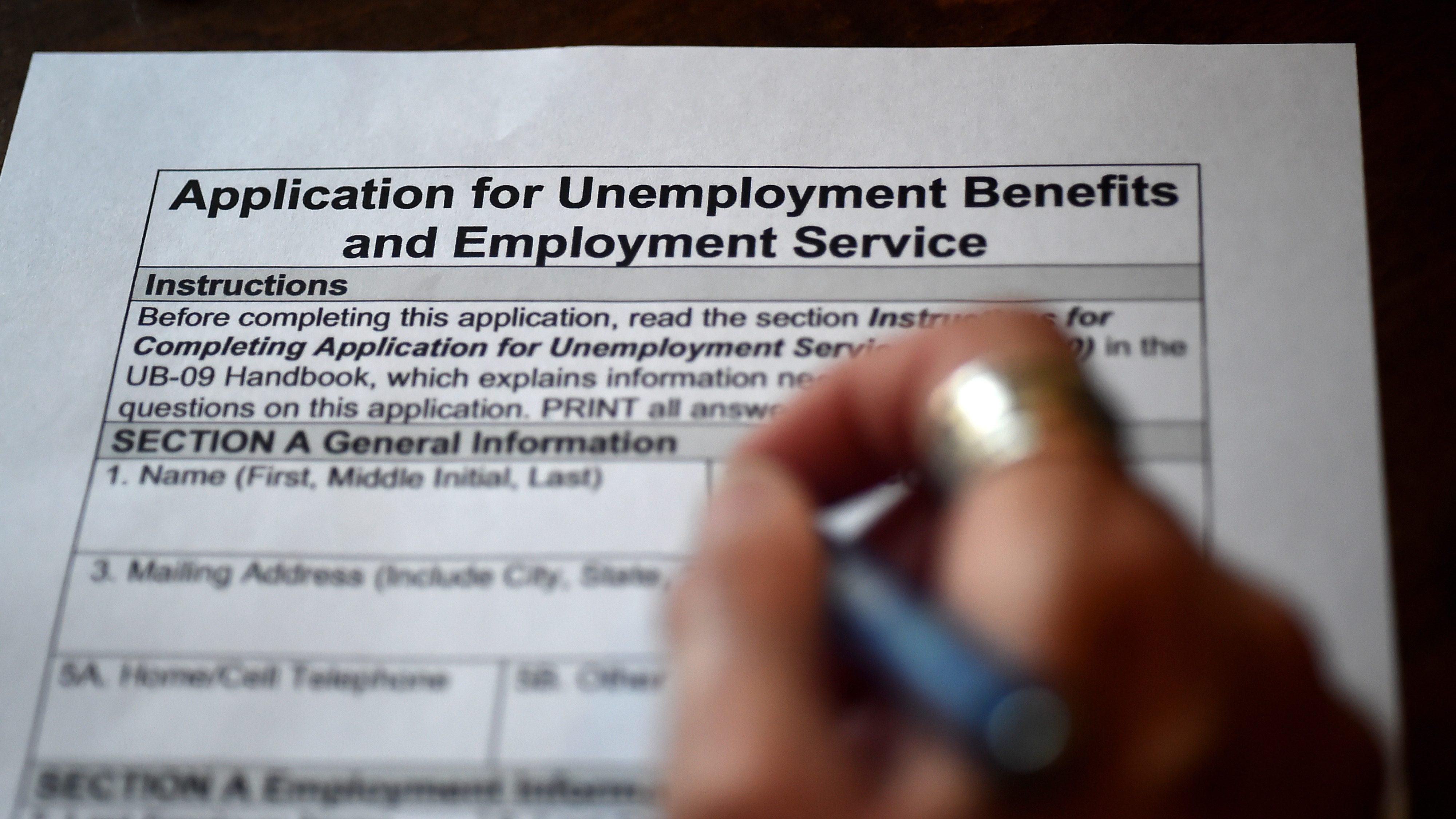 聯邦政府問責辦公室(GAO)最新報告顯示,勞工部每周公布的失業救濟金申領人數,在疫情期間持續不準確,且向數以百萬人少付救濟金。    資料圖片