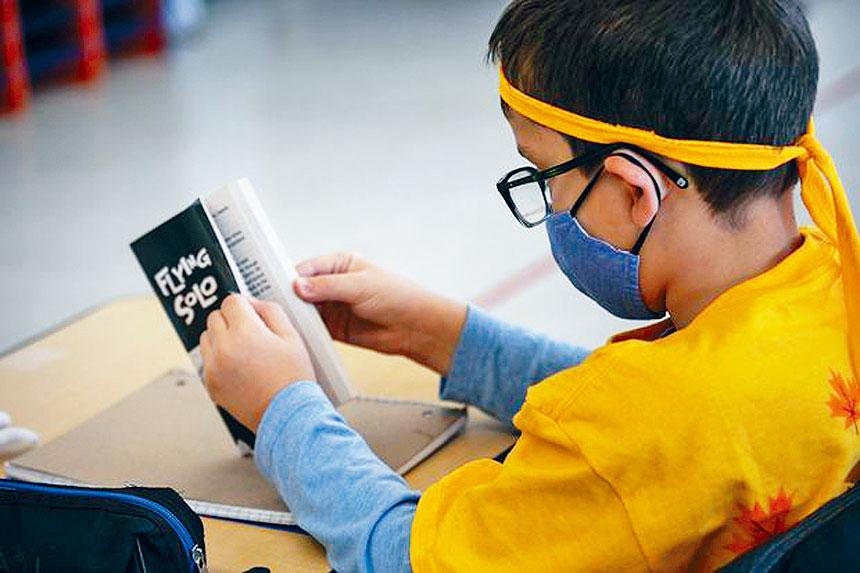 全國中小學生測驗結果出爐,顯示學生在秋季復課後,數學科成績遠遠落後進度,部分年級的閱讀能力同樣稍微落後。法新社