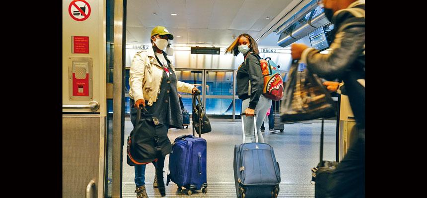 預計今年感恩節期間,有67萬名旅客計劃從紐約市機場出發。美聯社