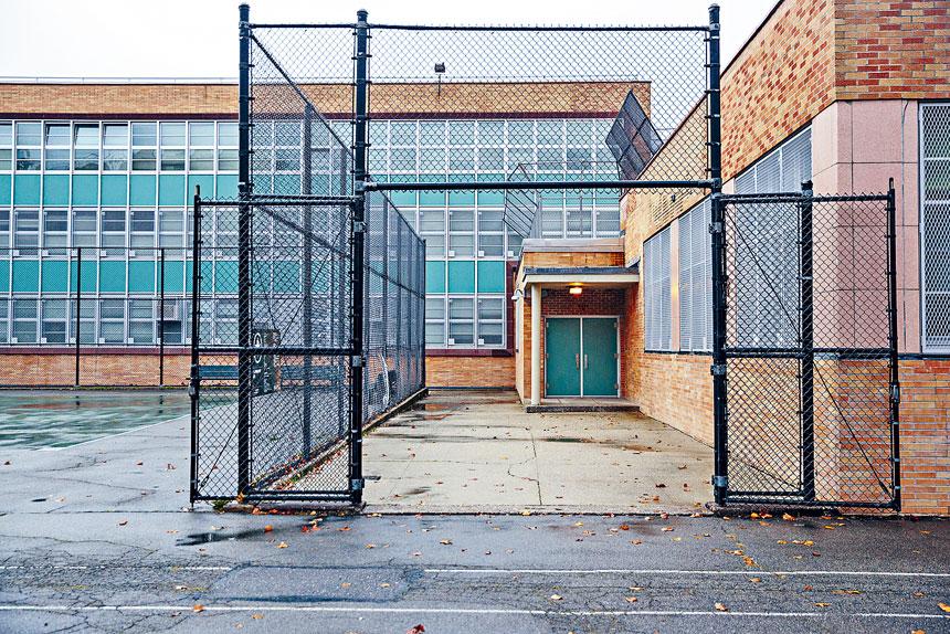 紐約市由於達到3%感染率門檻,公立學校需要關閉。Sarah Blesener/紐約時報