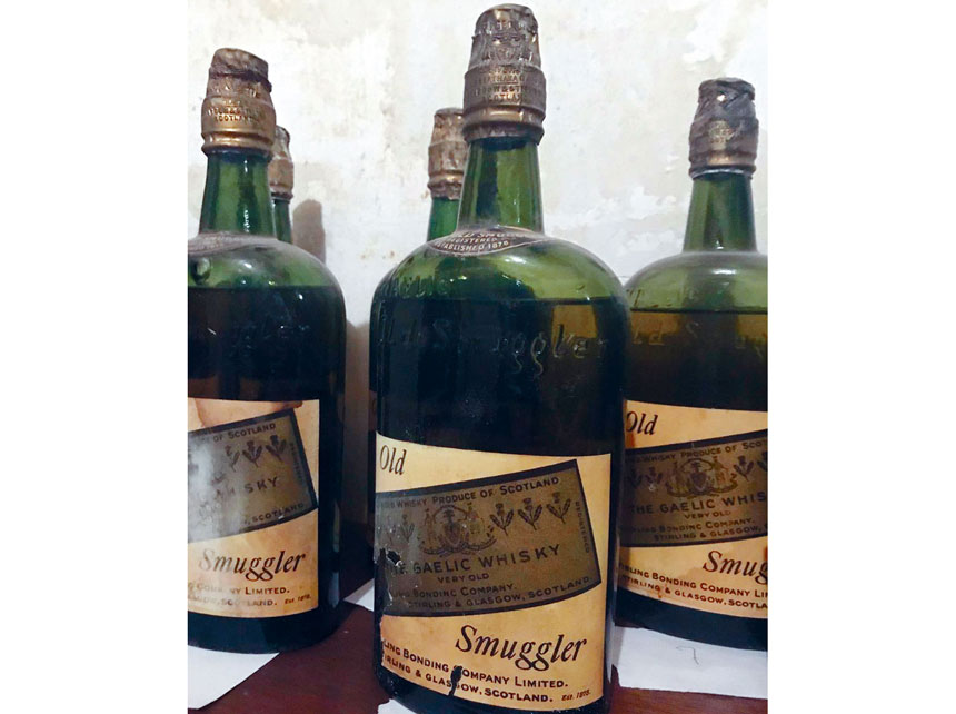 上州一間房子牆壁內發現了66瓶禁酒時代的威士忌。網上圖片