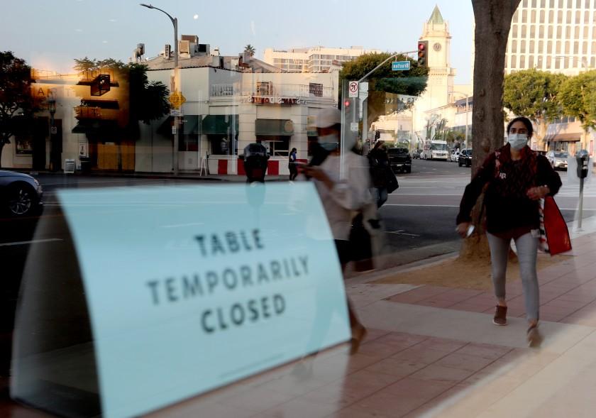 目前洛縣餐館的座位區不得開放。洛杉磯時報