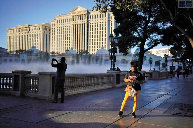 受到旅行限制影響,拉斯維加斯旅館房價再次降價。美聯社