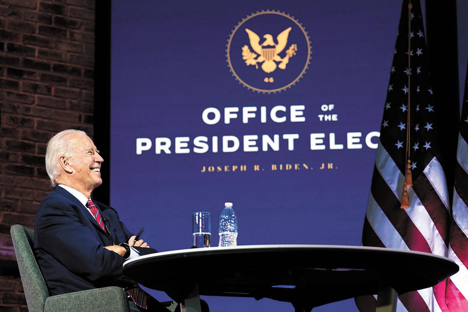 拜登(大圖)陣營發表聲明表示,總務署「已確認拜登和賀錦麗為正副總統當選人」。美聯/法新社