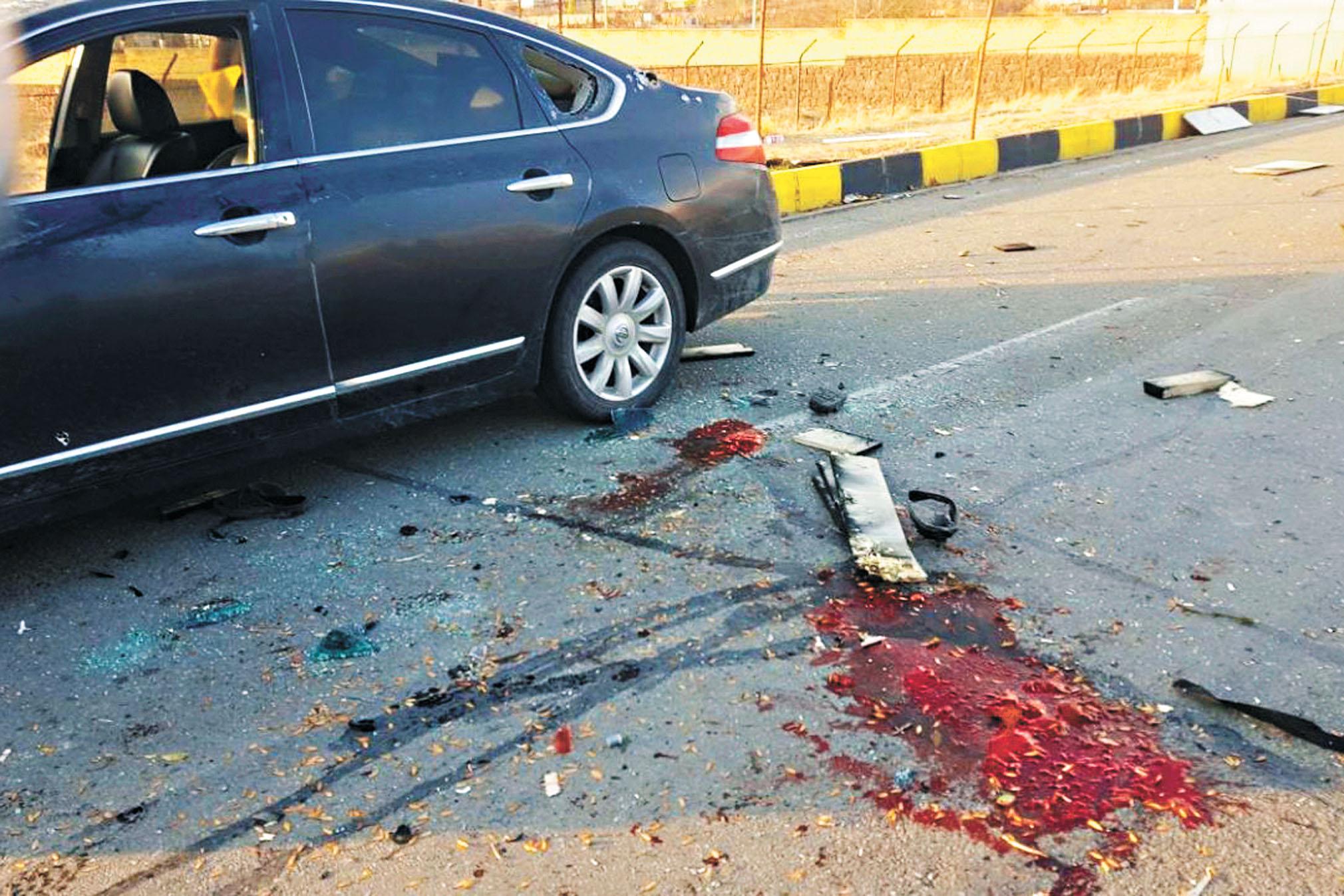 在德黑蘭附近的阿布薩爾德,法赫里扎德乘坐的車輛遭到襲擊。美聯社