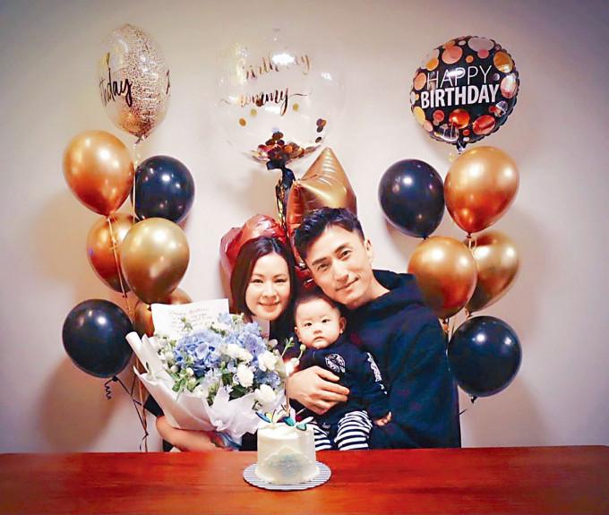山聰做完台慶,立即回家跟囝囝為太太慶祝生日。