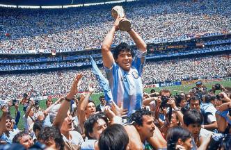 馬勒當拿於一九八六年帶領阿根廷隊奪得世界盃。