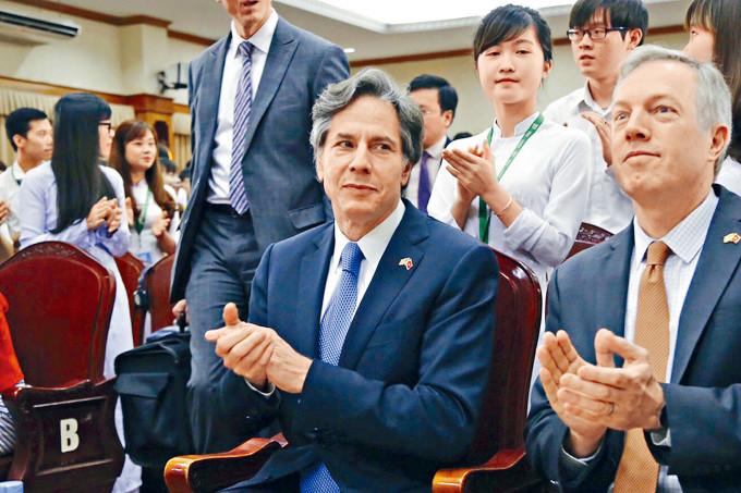 預期獲提名國務卿的布林肯,二〇一六年任職副國務卿時訪問越南。
