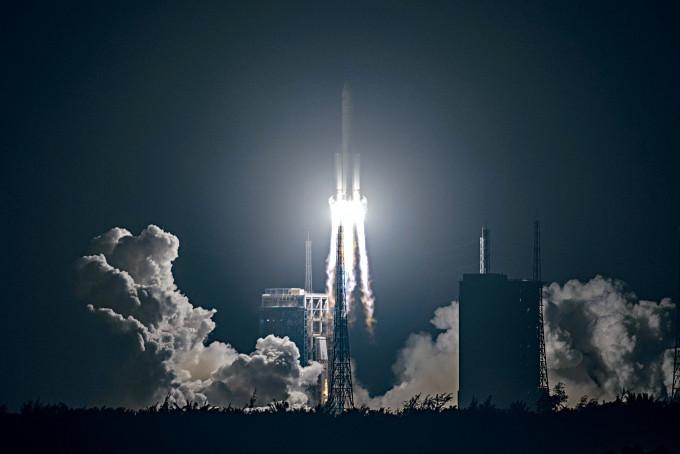 嫦娥五號探測器昨晨在海南文昌發射場升空。