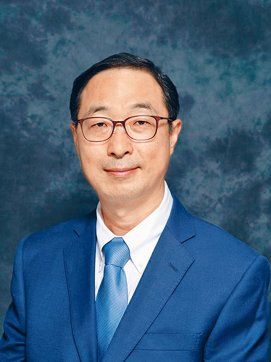 嶺大經濟系教授魏向東,將於明年三月接任考評局秘書長。
