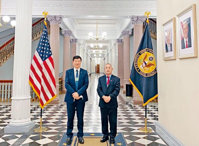西藏流亡政府總理洛桑森格(左)首訪美國白宮。