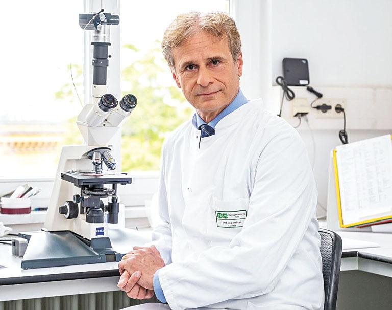 德國病毒學家凱庫勒指,目前全球正在傳播的新冠病例中,其中99.5%可追溯到來自於意大利北部的一種新冠病毒變異毒株。網上圖片