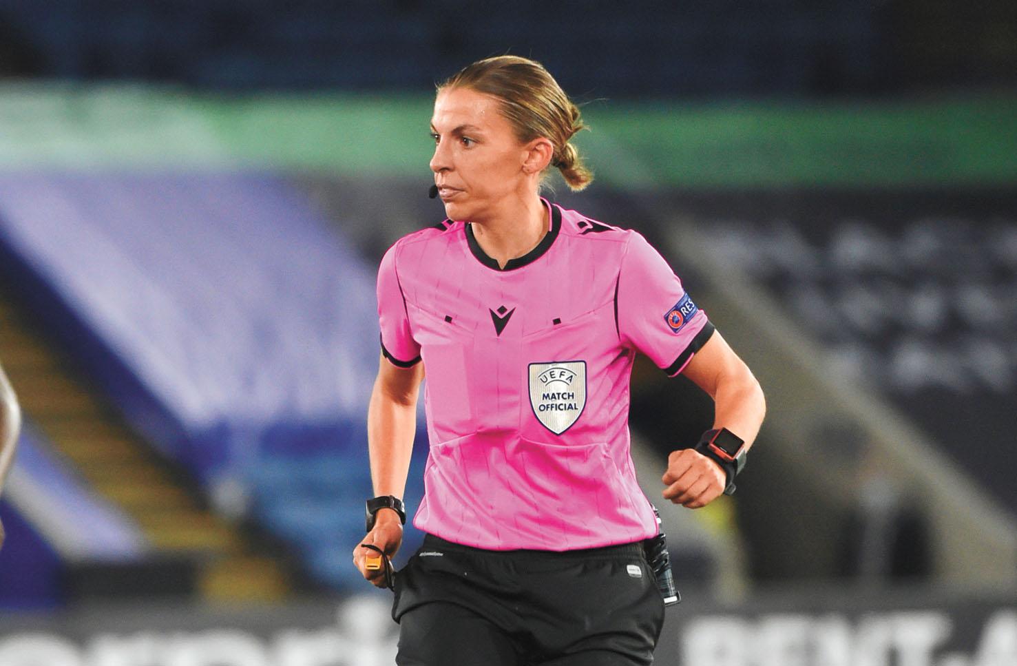 史蒂芬妮執法過歐聯盃比賽。美聯社
