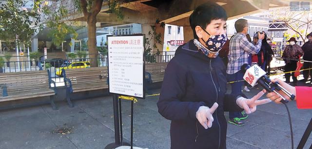 候任第一區市參事陳詩敏很感激警察局、消防局和市府關懷華埠長者。記者李兆庭攝