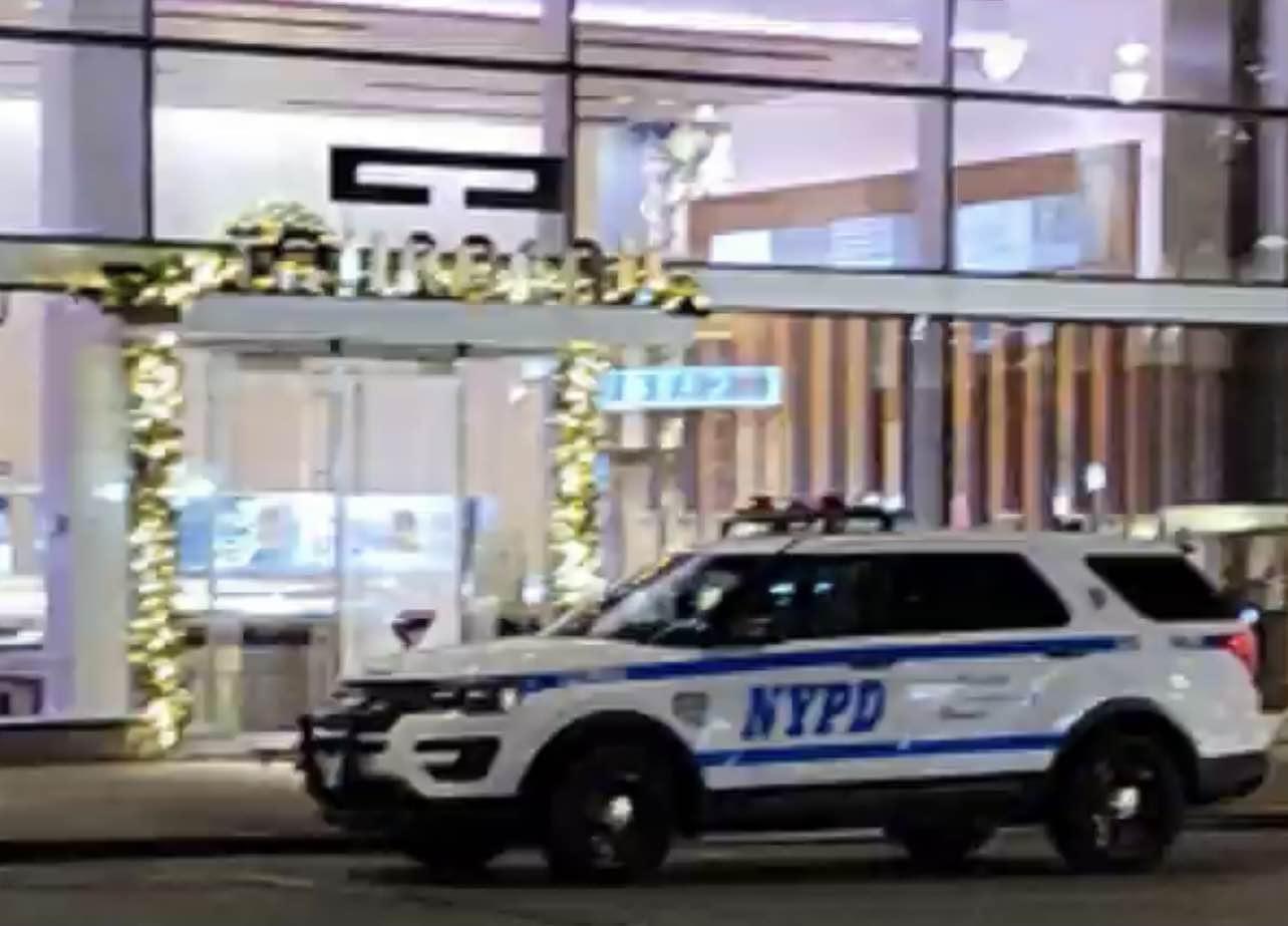 ■警方於事發後趕往現場展開調查。 Citizen視頻截圖