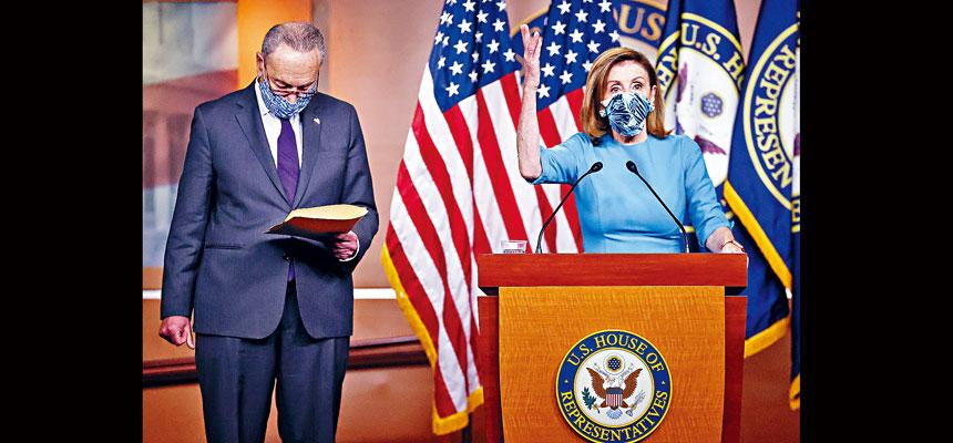 參院兩黨議員組成的小組提出9000億臨時紓困草案,民主黨反應積極,眾議院議長普洛西和參議院少數黨領袖舒默表示,希望以這個方案作為與白宮進行對話的起點。路透社