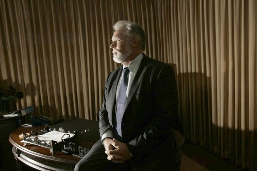蘭卡斯特市長帕里斯(R. Rex Parris)指責洛縣的防疫政策沒有考慮到小城市的個別狀況。洛杉磯時報