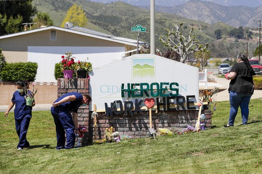 研究顯示,疫情下擁有較多非裔和拉丁裔住民的加州護理機構受創最深。洛杉磯時報