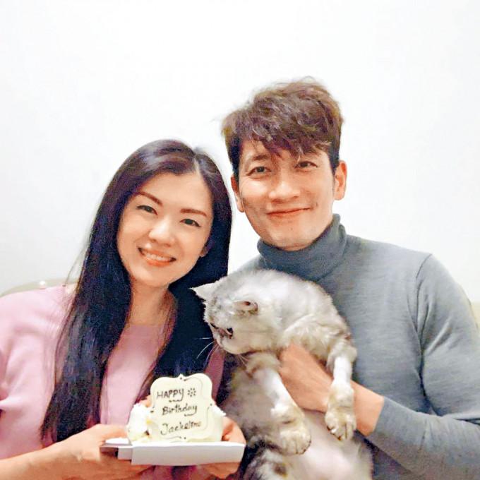 袁文傑與張潔蓮愛情長跑9年,日前終於低調註冊,開花結果。