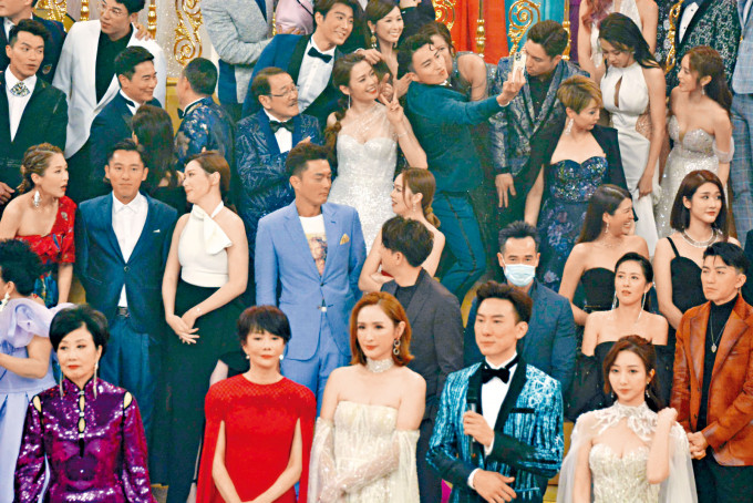 台慶當晚只有陳豪堅持戴口罩。