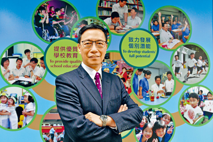 楊潤雄指,通識教育科改革後課程內容及課時減半,能釋出課時讓學生多修一個選修科目。