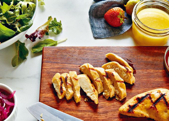 美國食品科技公司Eat Just,由實驗室培植出來的雞肉。