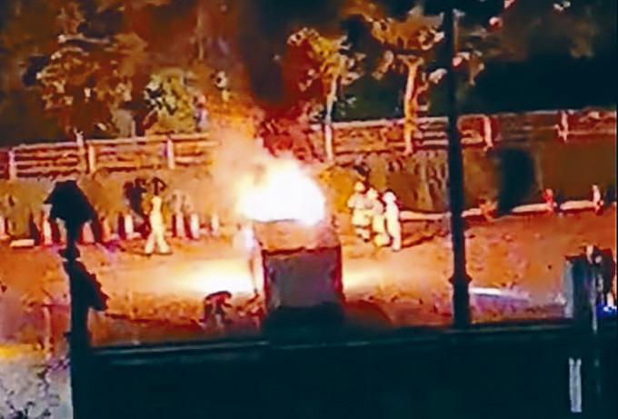 旺角警察體育遊樂會被投擲九枚汽油彈,停車場一貨車着火焚燒,消防員趕至灌救。