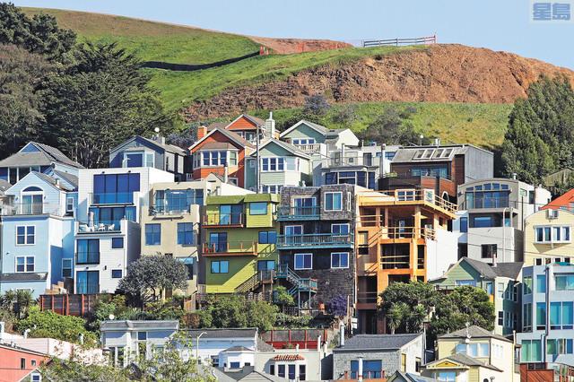 李麗嫦提出建立「租房庫存數據清單」,使租金委員會可以跟蹤空缺房屋、房東以及租戶的關係。美聯社