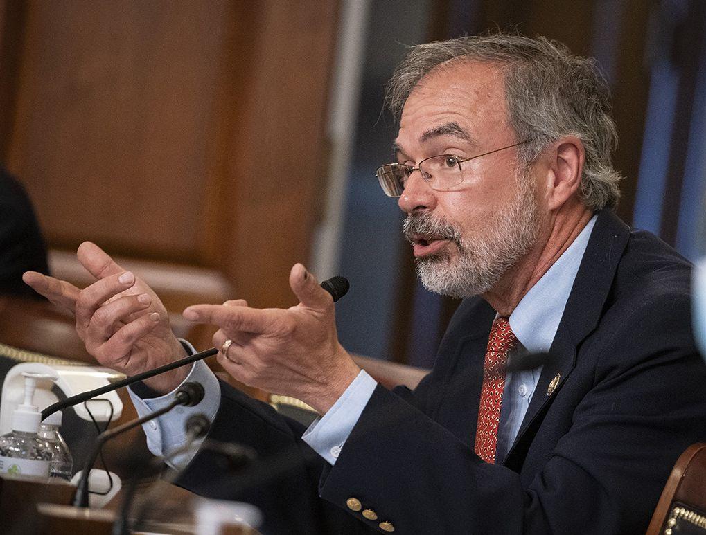 報道稱,哈里斯21日進入國會時,警員用金屬探測器掃瞄哈里斯,在他的身上偵測到槍械,警員拒絕哈里斯進入議事廳。    美聯社