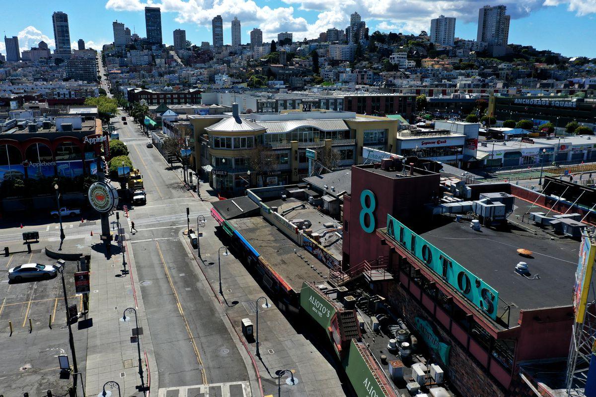 加州三藩市延長在家避疫令,像漁人碼頭(圖)這樣的休閒區將繼續顯得平靜。    法新社