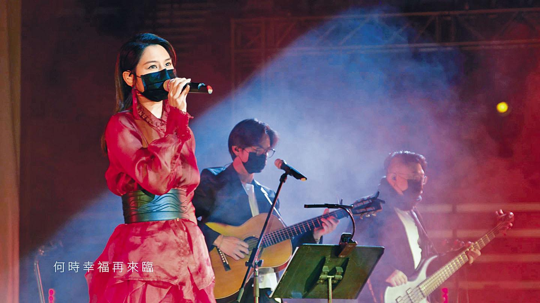 Gin Lee成為十大中文金曲女歌手金獎得主。