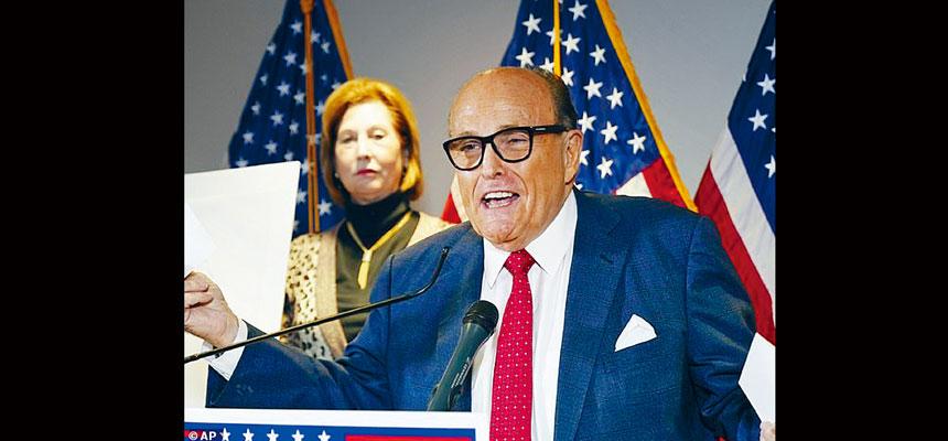 特朗普私人律師朱利安尼的一名助手被指向CIA一名犯案特工開價200萬元,聲稱朱利安尼可「出手相助」,幫他獲得總統特赦。美聯社