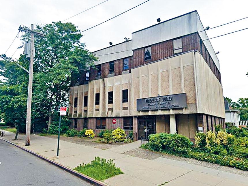 北方大道243-02是女性遊民庇護所。