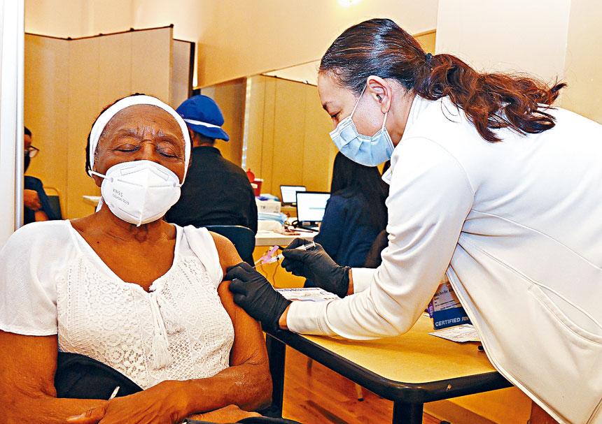 紐約州市府已用盡疫苗存庫,令注射計劃受阻。州長辦公室Flickr圖片