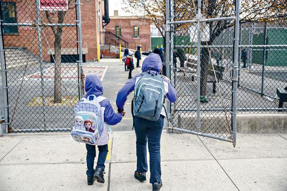 工會擔心,疫苗問題會拖延明年的開學進度。Victor J. Blue/紐約時報