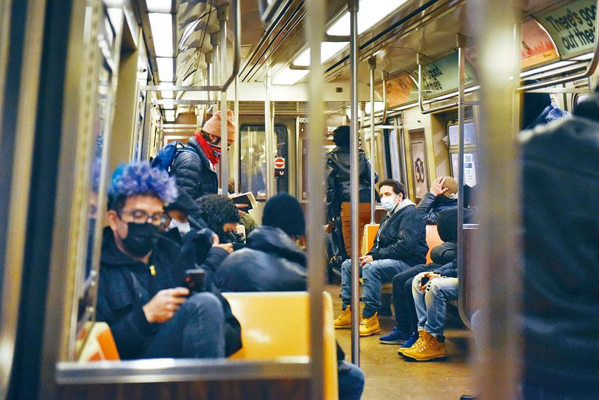 多達七成人表示,感覺乘坐地鐵和巴士安全。Stephanie Keith/紐約時報