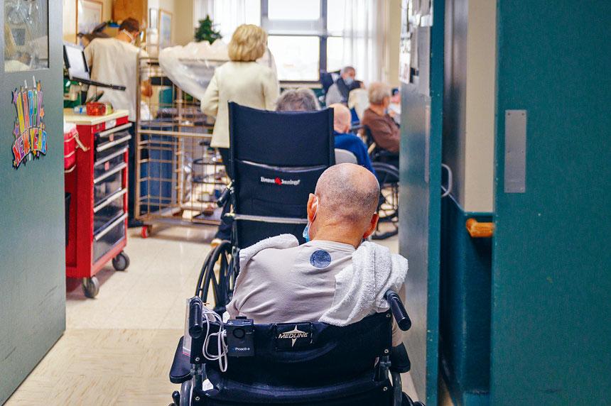 州衛生廳公布養老院新冠死亡人數約8400宗,但外界認為不止此數。Christopher Occhicone/紐約時報