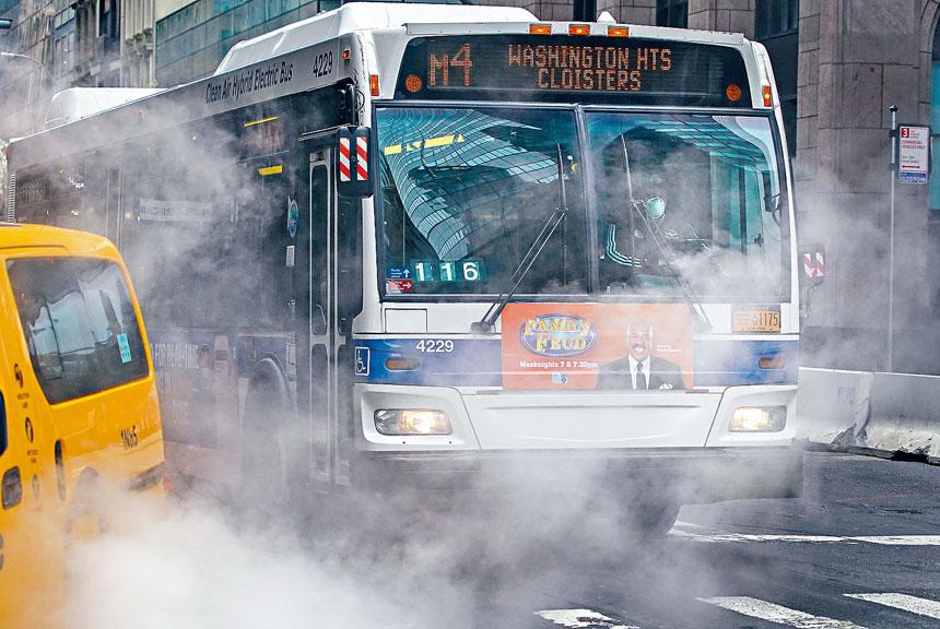 報告指90%巴士員工在事故後超過2小時才接受酒精測試。Chang W. Lee/紐約時報