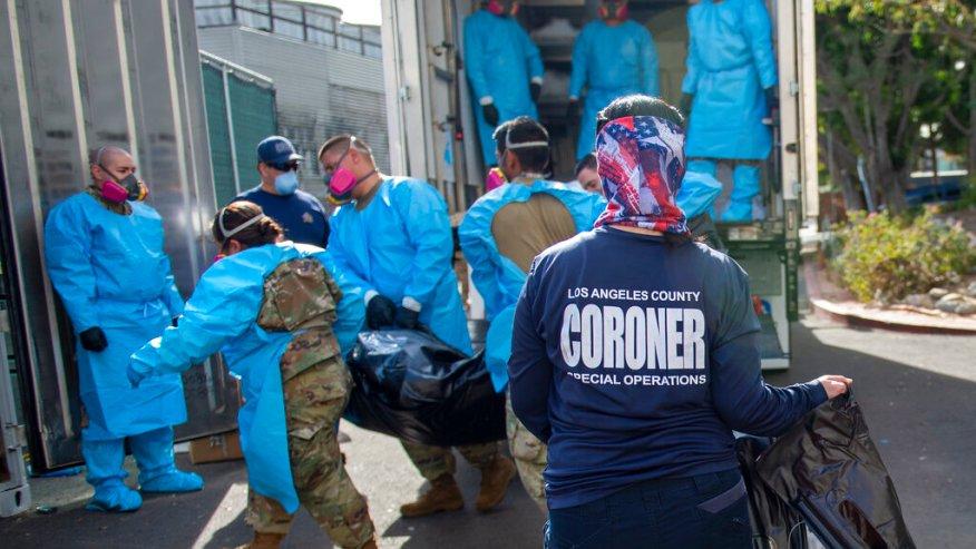 洛縣新冠死亡人數過多,空氣監管機構放寬火化限制以加速處理積壓遺體。美聯社