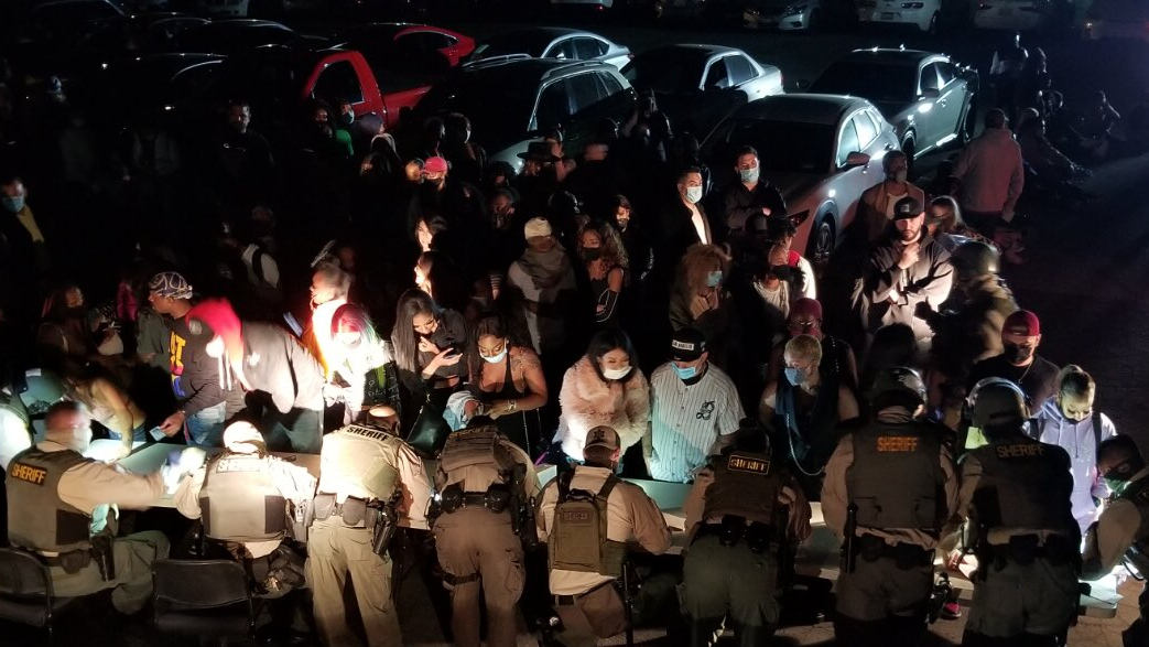 洛杉磯縣警局在三場大型派對逮捕了137人。洛縣警局