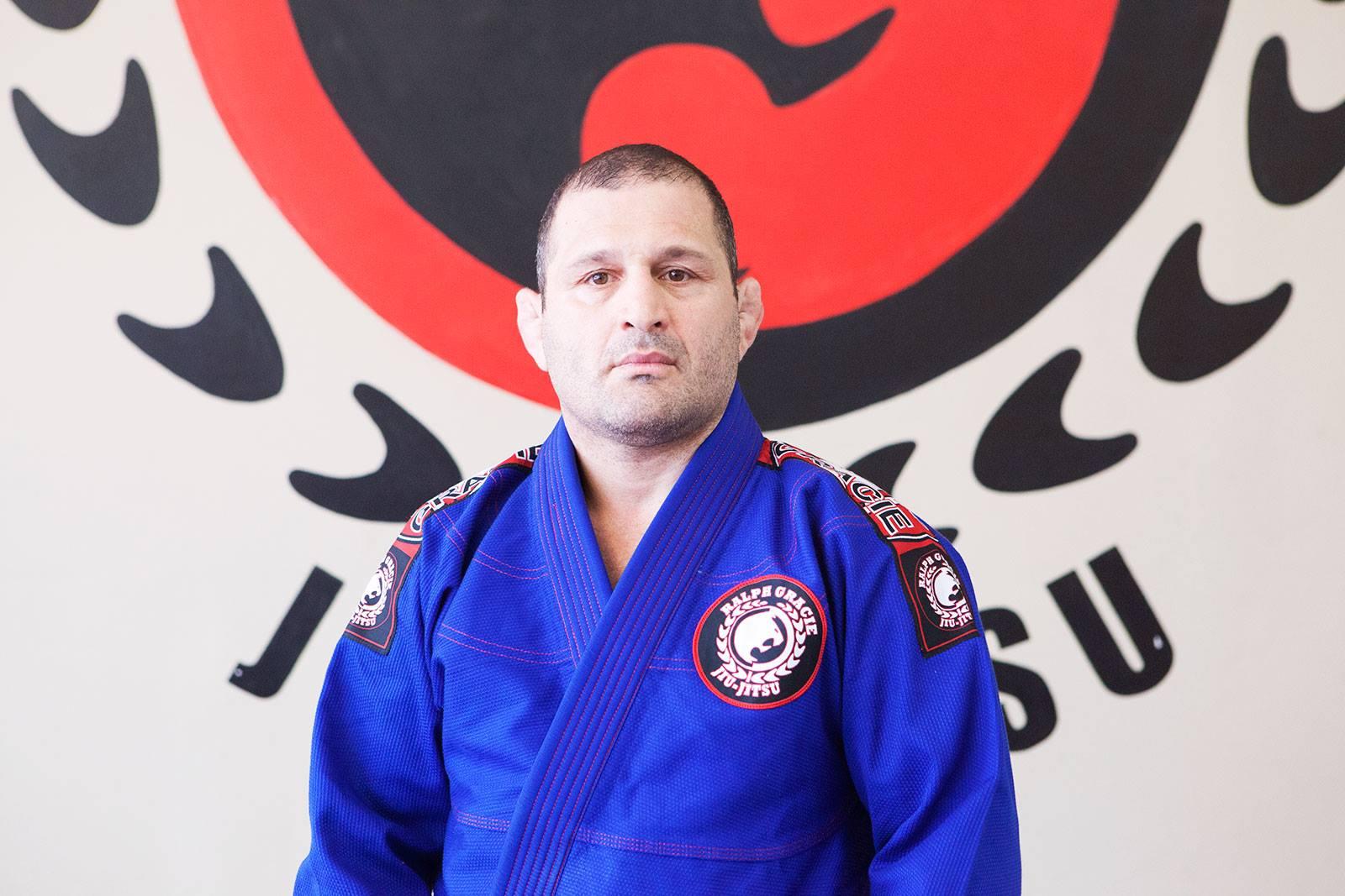 綜合格鬥家格雷西因無故毆打巴柔冠軍阿爾梅達被判入獄。Ralph Gracie臉書