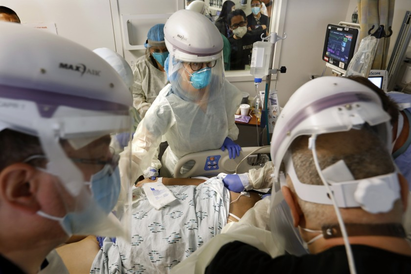 洛縣新冠病例不斷增長,死亡人數也隨之增加。洛杉磯時報