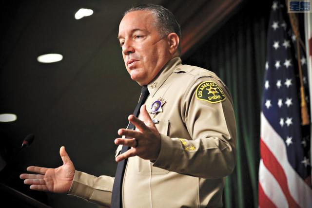 洛縣警察局長維拉紐瓦嚴厲譴責美國國會所發生的暴亂。洛杉磯時報