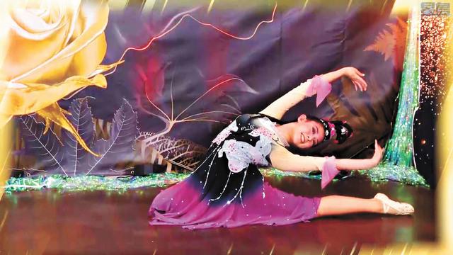 ■楊孟芸表演民族舞。