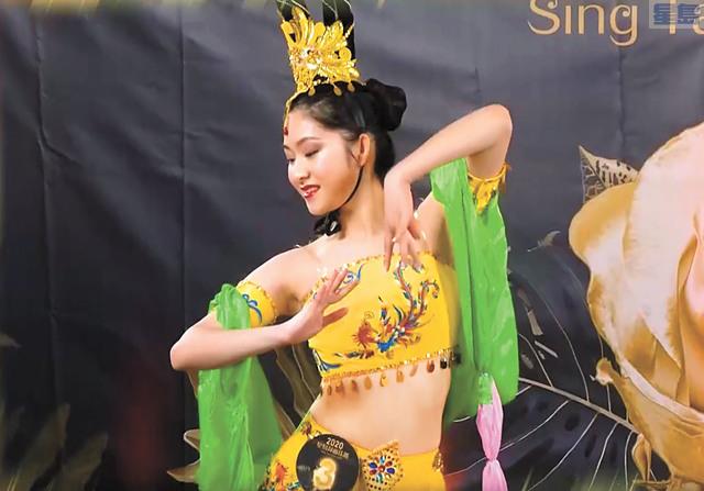 ■蒲皓恩表演敦煌舞。