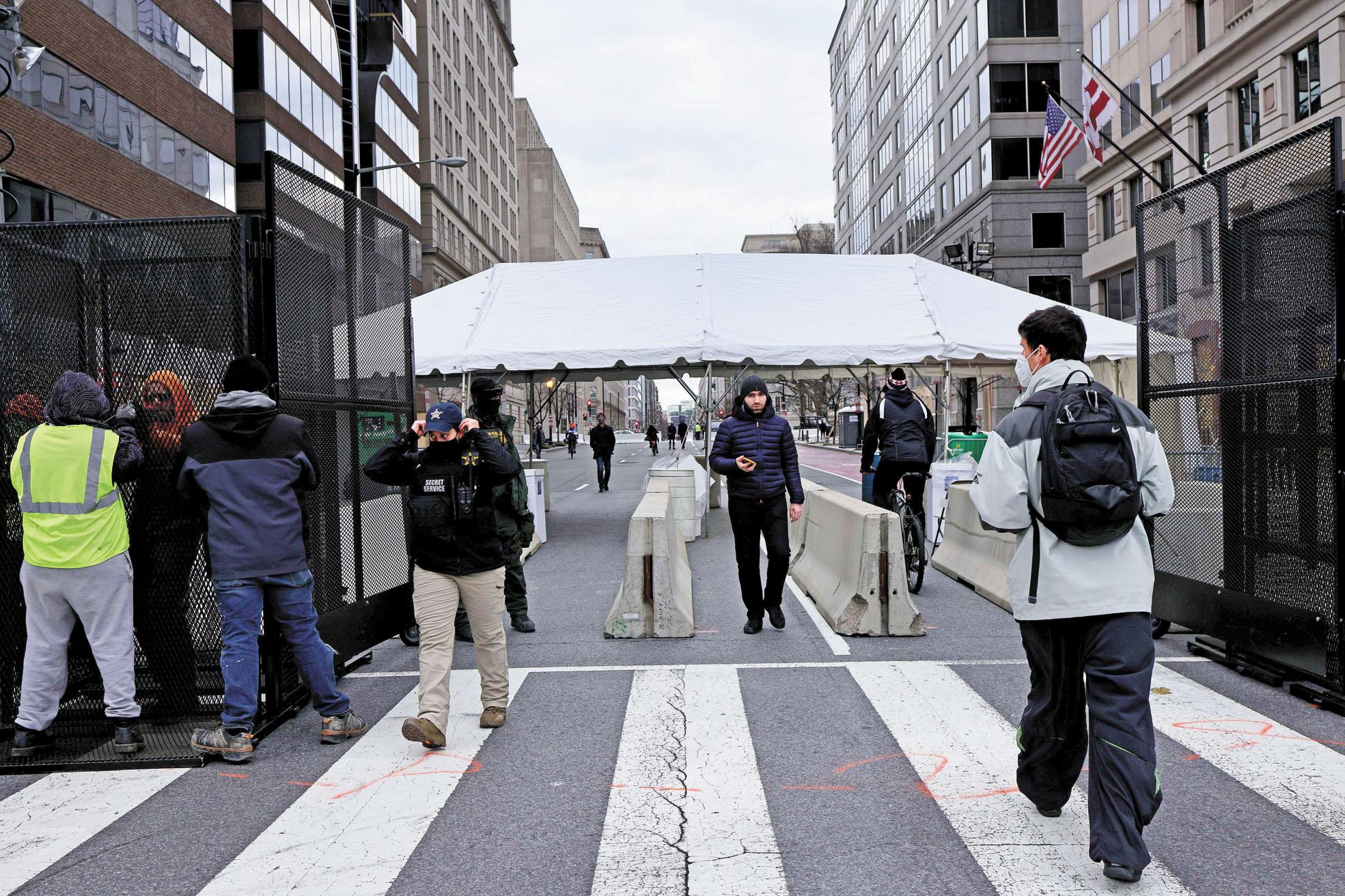 華盛頓特區街頭設置了檢查站。法新社