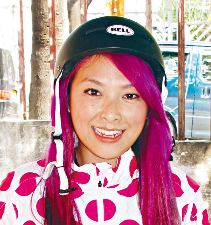 朱薰在社交網向網民報平安。